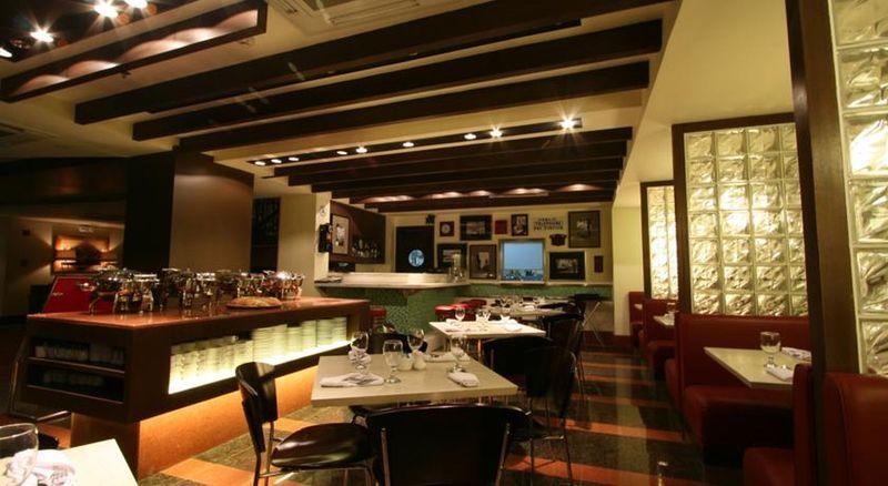 Restaurant Crown Regency Hotel - Makati