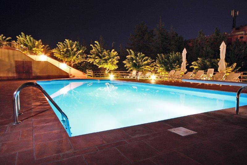 Grand Admiral Palace - Pool - 1