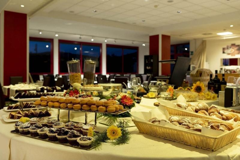 Grand Admiral Palace - Restaurant - 8