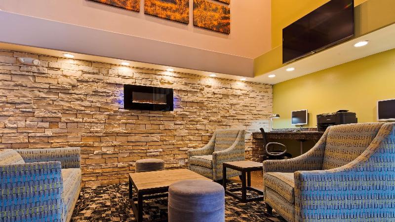 Lobby Best Western Innsuites Hotel & Suites Albuquerque