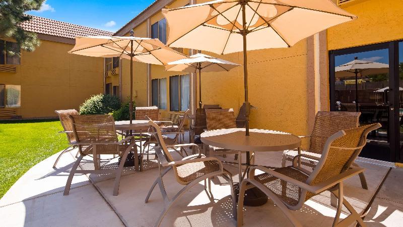 Pool Best Western Innsuites Hotel & Suites Albuquerque