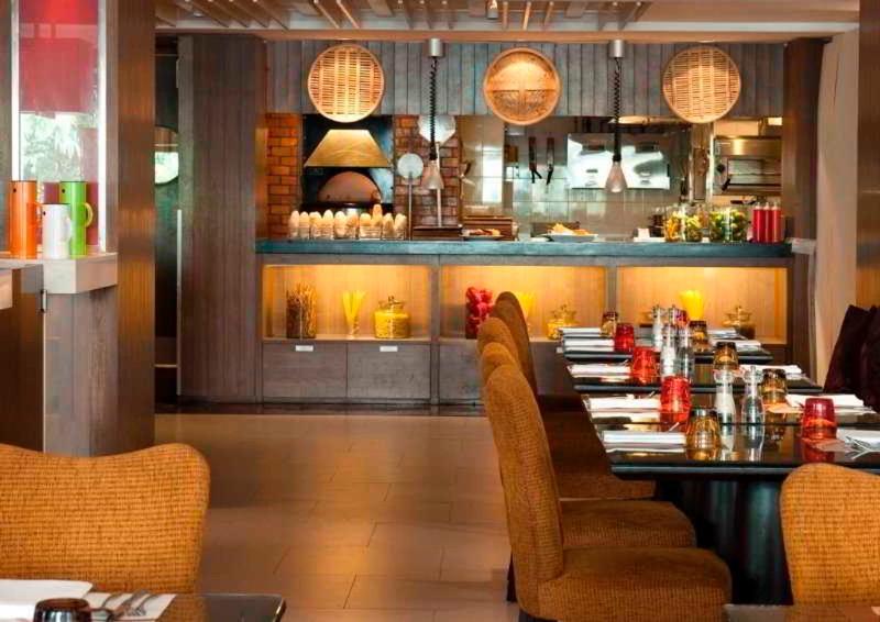 Restaurant Swissotel Resort Phuket Patong Beach