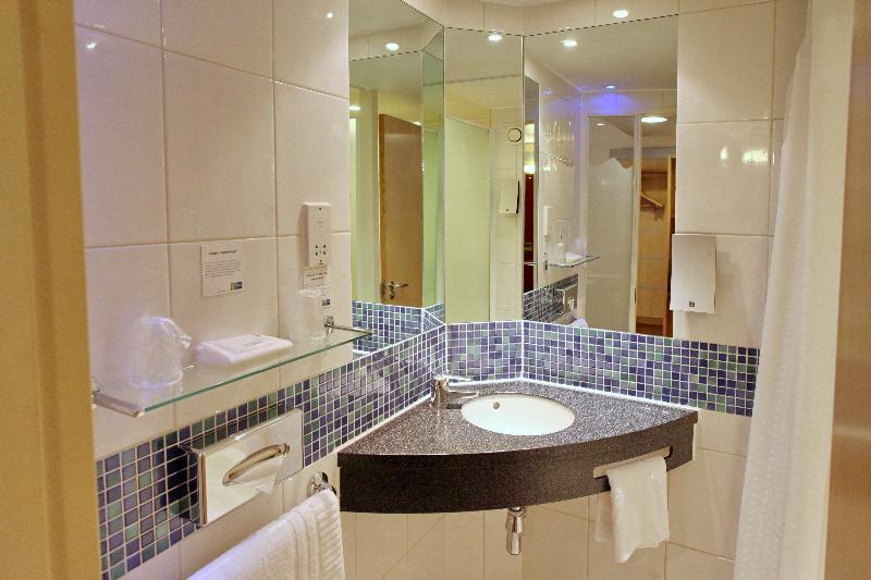 Room Holiday Inn Express Birmingham Redditch