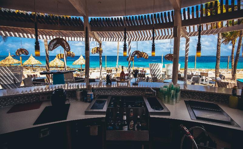 Bar Plaza Resort Bonaire