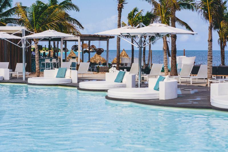 Pool Plaza Resort Bonaire