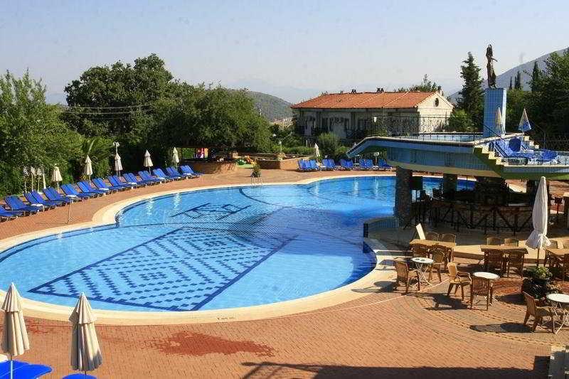 Pool Destina Hotel