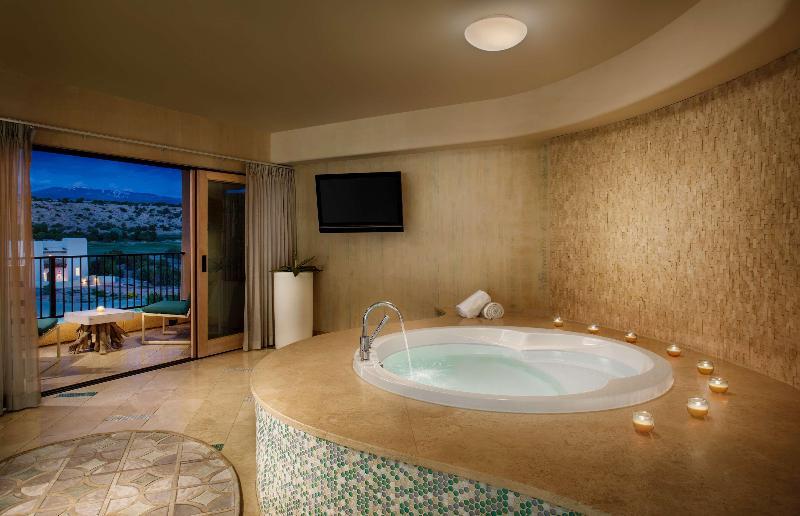 Room Hilton Santa Fe Golf Resort & Spa Buffalo Thunder