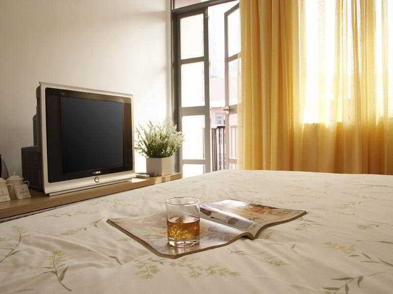 Room Lilac International Suites