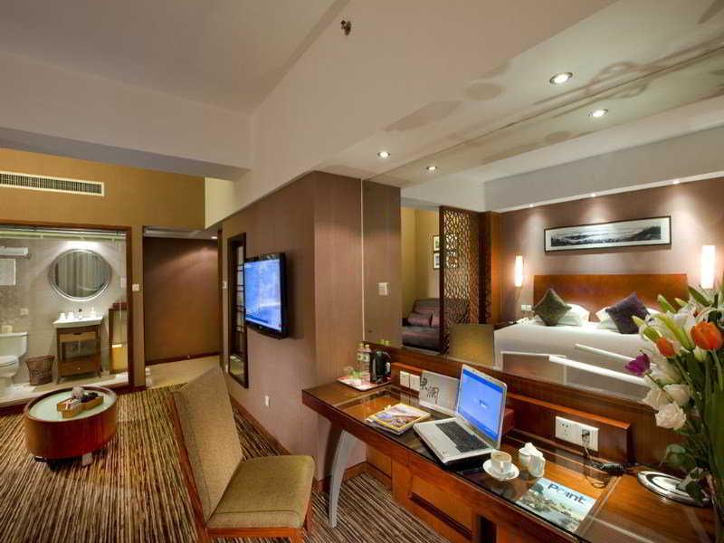 Room Ssaw Hubin