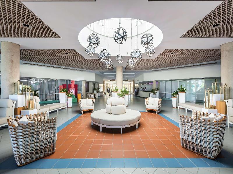 Lobby Hilton Ponce Golf & Casino Resort