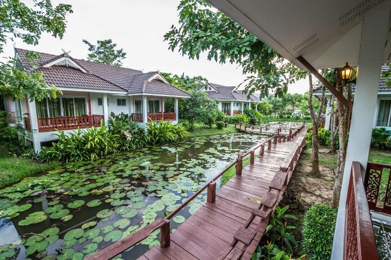 Terrace Le Charme Sukhothai