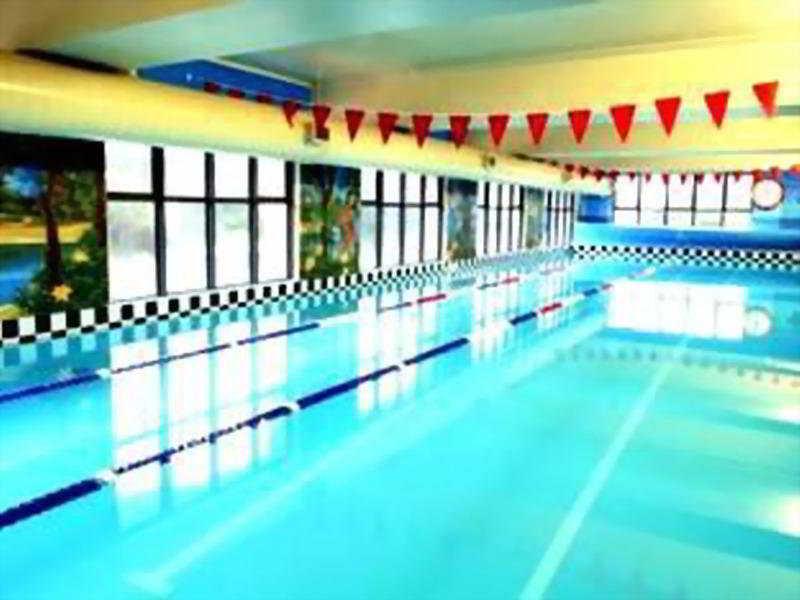 Pool Quest Atrium