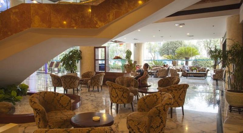 Lobby Guilin Plaza