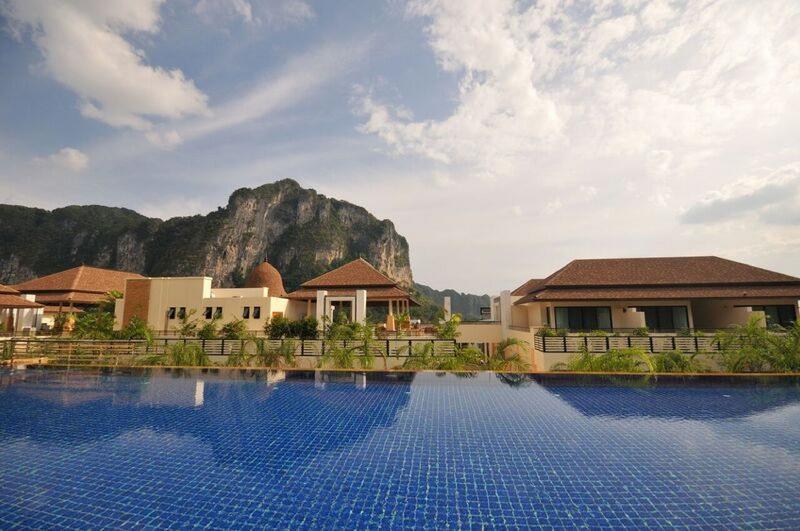 Pool Aonang Cliff Beach Resort