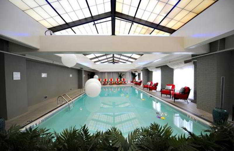 Pool The Alexandrian, Autograph Collection