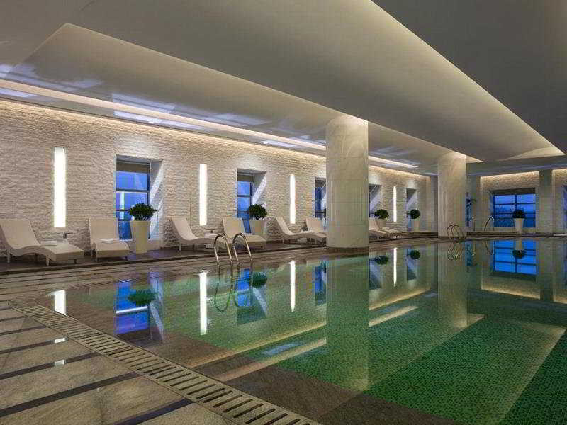 Pool Ningbo Marriott Hotel