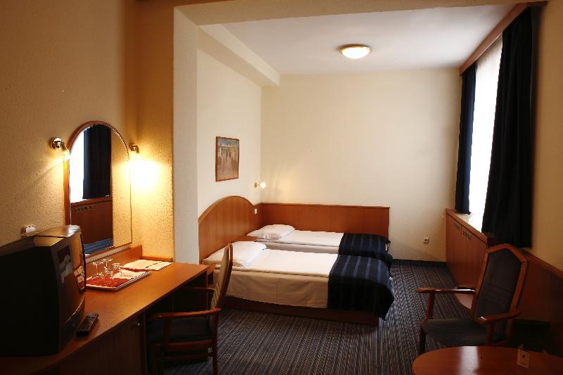 Room Hotel Benczúr