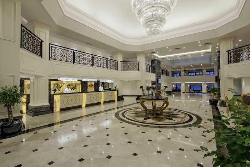 Lobby Bellis Deluxe Hotel