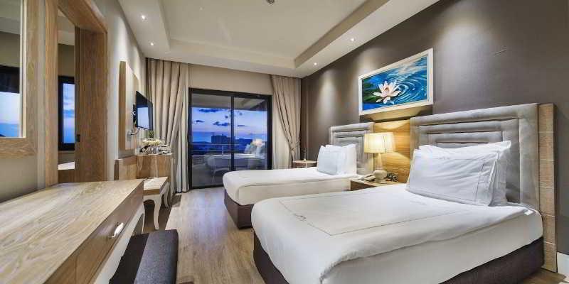 Room Bellis Deluxe Hotel