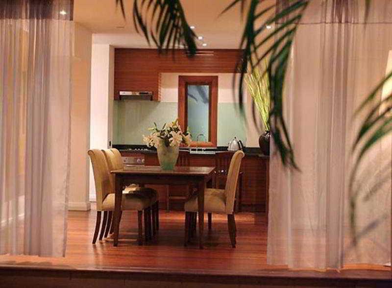 Room Downtown Villas