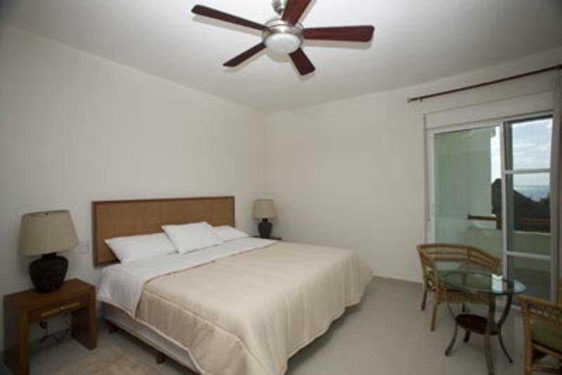 Room Puerta Al Mar