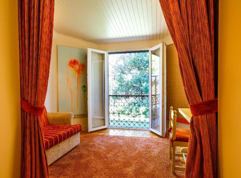 Room O Fonte Santa