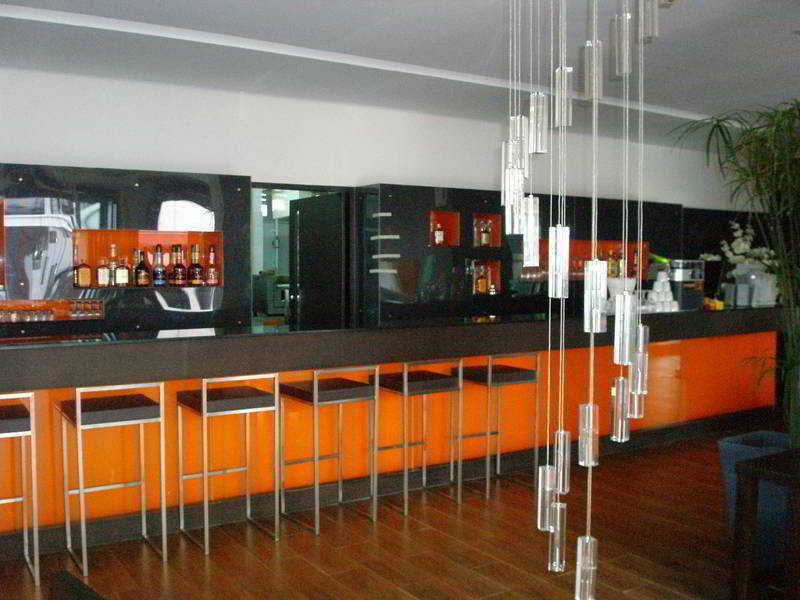 Bar The Kris Resort