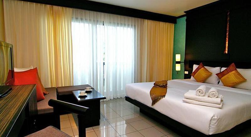 Rattana Beach Hotel - Hotel - 2