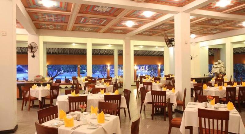 Restaurant Club Palm Bay Marawila