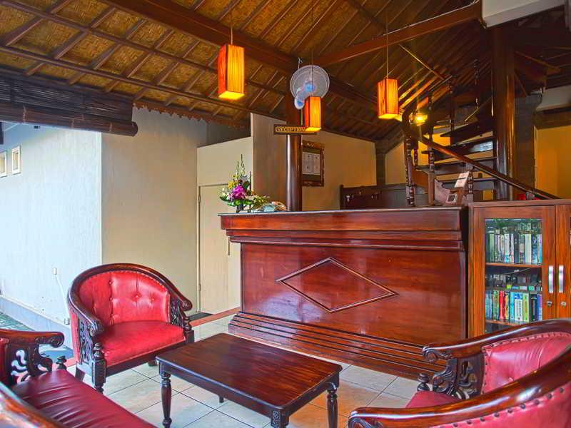 Lobby Puri Sading Hotel