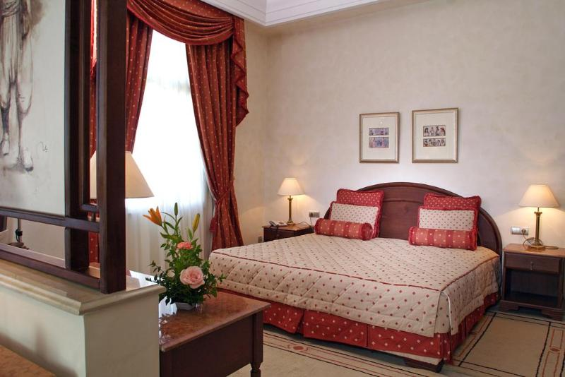 Room Les Oliviers Palace