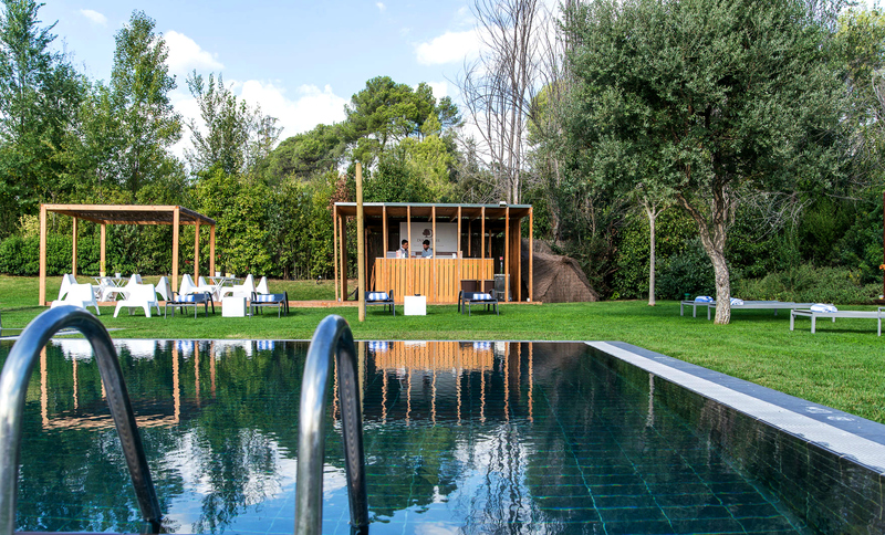 Pool La Mola & Conference Center