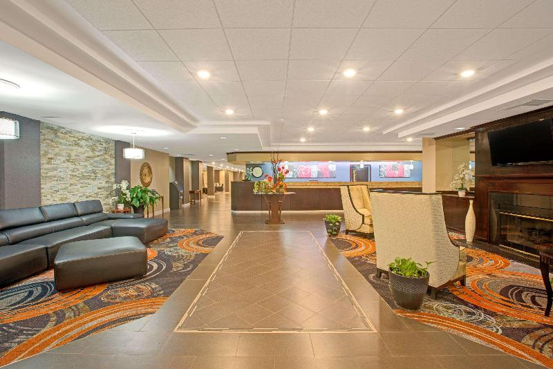 Ramada Airport Conference Center - General - 0