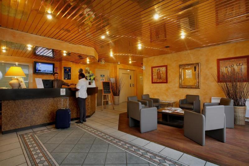 Comfort Hotel Gennevilliers - Hotel - 2