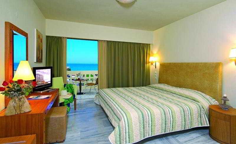 Room Santa Marina Beach