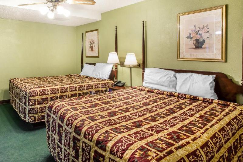 General view Rodeway Inn & Suites