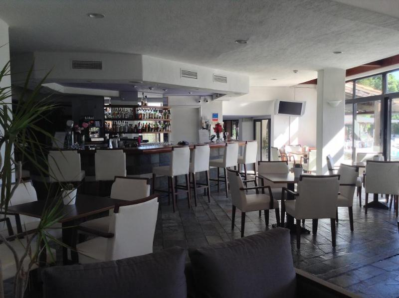 Bar Paphos Gardens Hotel And Apartments