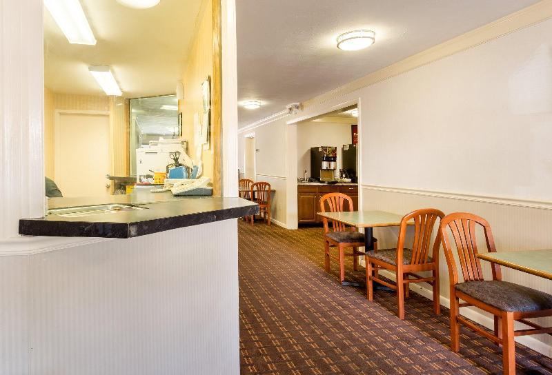 General view Econo Lodge Malden