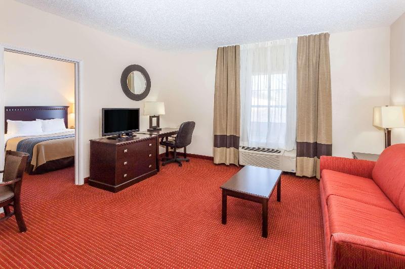 Room Baymont By Wyndham Decatur