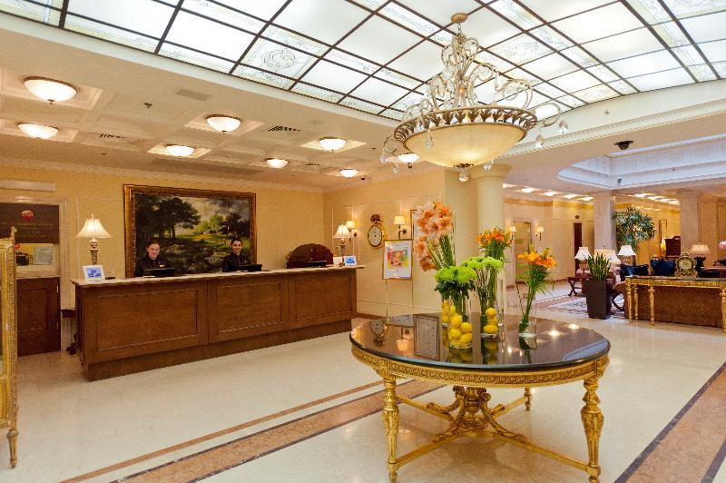 Lobby Opera