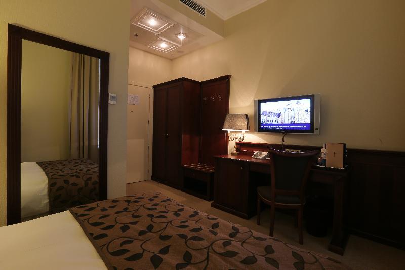 Room Opera