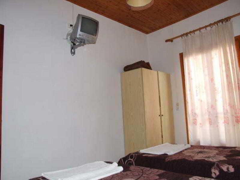 Room Spingos