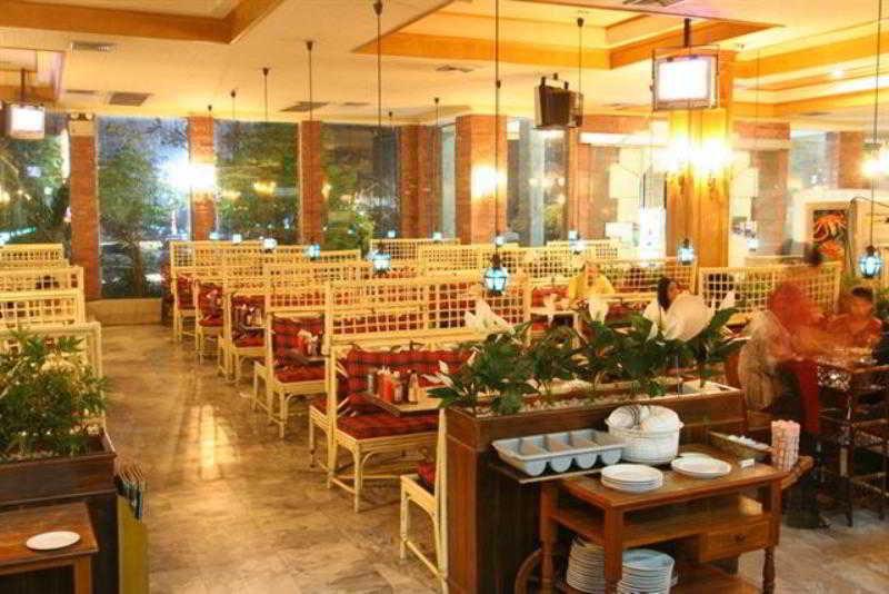 Restaurant Hotel 13 Coins Resort Yotin Pattana