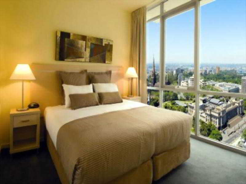 Room Oaks Gateway Suites