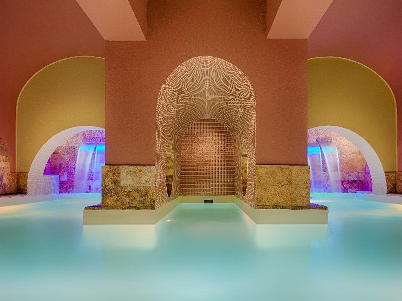 Sports and Entertainment Grand Hotel Palazzo Livorno