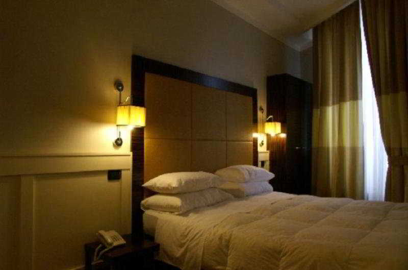 Room 939 Hotel