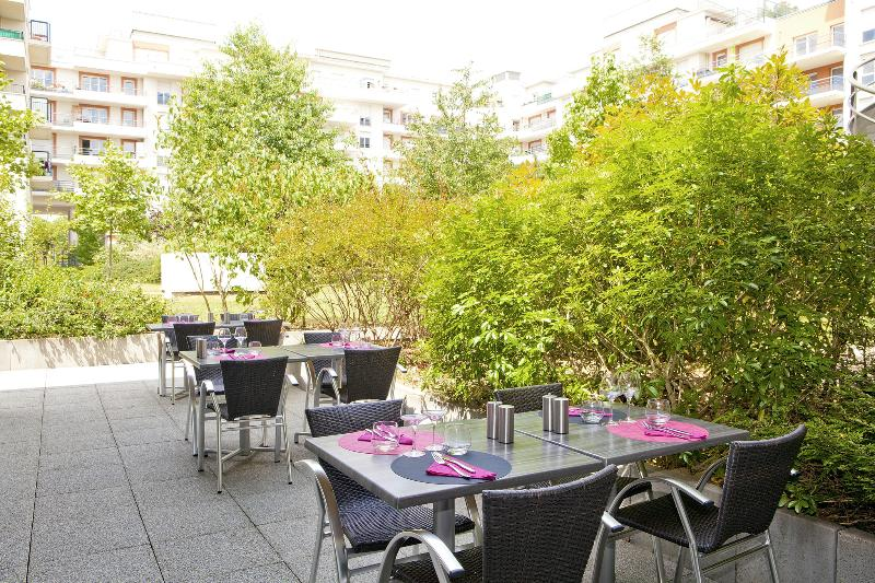 Terrace Residhome Paris Evry