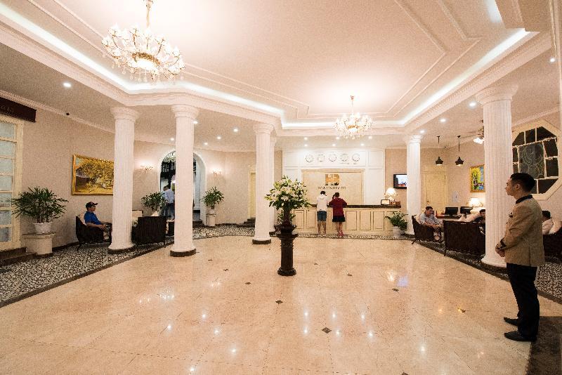 General view Hoa Binh Hotel