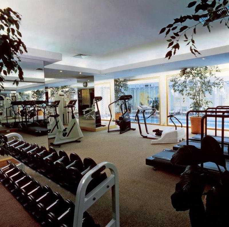 Sports and Entertainment San Cristobal Tower, A Luxury Collection Hotel