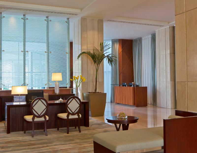 Lobby San Cristobal Tower, A Luxury Collection Hotel
